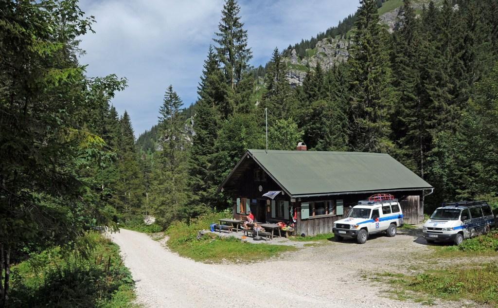 5-bergwacht-pferdestall-4