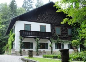 """Das """"Königshäuschen"""" im Park von Schloss Linderhof"""