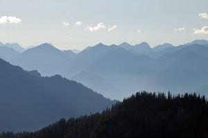 Blick vom Herzogstand ins Ammergebirge (Foto: H.K.)