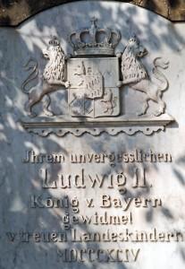 Inschrift am Sockel des Murnauer Ludwig-Denkmals (Foto: H.K.)